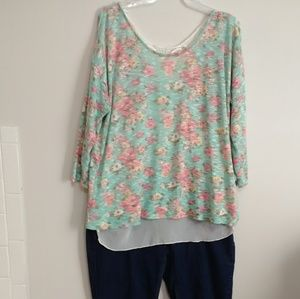 Tops - Stylish Floral Printed Top L/XL